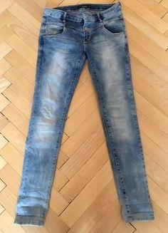 Kupuj mé předměty na #vinted http://www.vinted.cz/damske-obleceni/dziny/15080735-svetle-modre-dziny-kalhoty