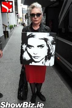 ShowBiz Ireland - Debbie Gets A Blondie Portrait. Art Music, Music Artists, Chris Stein, Retro Rocket, Blondie Debbie Harry, Rock Chick, Damsel In Distress, Musica, Artists