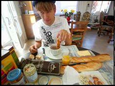 ▶ Vive la France - Le Petit Dejeuner - YouTube