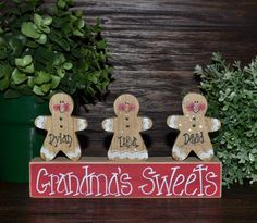 me ~ Gingerbread Christmas Decor Personalized Gingerbread Family Block Set-Personalized Grandma Gift Christmas Decoration Personalized Ho… Gingerbread Christmas Decor, Gingerbread Crafts, Christmas Wood Crafts, Christmas Signs, Christmas Projects, Winter Christmas, Holiday Crafts, Christmas Holidays, Gingerbread Men