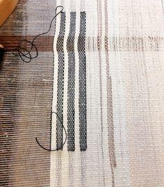 #weaving #loom #linen #fiberart #fiber #textile #bridgettesegravesdesigns #bridgettesegraves