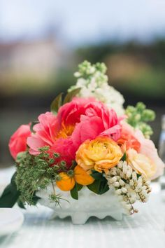 Centerpiece by Kate's Blossoms Photography by Sabine Scherer Design by And Something Blue