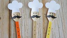 Wooden Spoon Christmas Friends - Kid Craft Leaf Crafts, Glue Crafts, Flower Crafts, Decor Crafts, Diy Crafts, Craft Decorations, Party Crafts, Wooden Spoon Crafts, Wooden Spoons