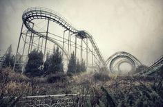 Achterbahn des Nara-Traumlands in Japan - Eine Kopie von Disneyland, wegen Besuchermangels 2006 geschlossen