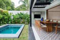 Small Backyard Pools, Backyard Patio Designs, Small Pools, Modern Backyard, Swimming Pools Backyard, Swimming Pool Designs, Backyard Landscaping, Modul Sofa, Small Pool Design