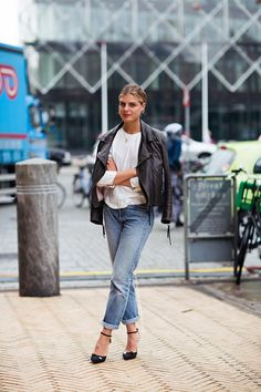 3 things every girl needs in her wardrobe: good jeans, good leather jacket, good shoes. Done and done. Carolines Mode | StockholmStreetStyle
