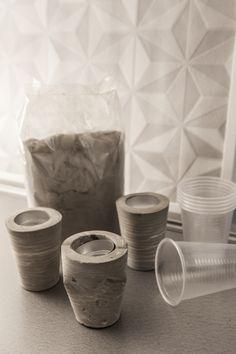 Ciment + gobelets plastique = des photophore DIY stylés