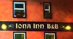 Iona Inn Londonderry Situated in the Waterside area of Craigavon Bridge, the family-run Iona Inn is 900 metres from Derry city centre and 1 km from the championship course of Derry Golf Club.  All comfortable rooms have en suite facilities and a TV.