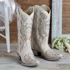 Corral Tan and White Glitter Inlay With Crystals Western Wedding Boots - Cowgirl Delight Bota Country, Cowgirl Wedding, Cowboy Boots Wedding Dress, Cowgirl Dresses, Camo Wedding, Bride Boots, Cowgirl Clothing, Casual Wedding, Trendy Wedding