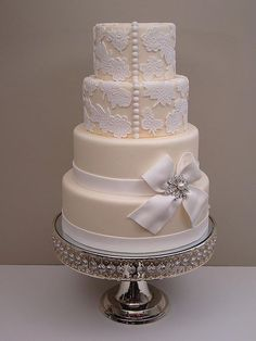 Lace Wedding Cakes ivory and white wedding cake - Lace Wedding Cake inpired by Rebecca Sutterby. Elegant Wedding Cakes, Beautiful Wedding Cakes, Gorgeous Cakes, Wedding Cake Designs, Pretty Cakes, Unique Weddings, Amazing Cakes, Trendy Wedding, Whimsical Wedding