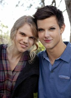 Idk who plays these actors but I immediately saw Taylor Lautner and Taylor swift!! Bahahaha
