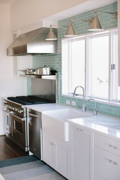 Dream Beach House Tour – Day Two (House of Turquoise) Beach House Tour, Beach House Decor, Home Decor, Beach Cottage Kitchens, Beach Cottage Style, Home Kitchens, Small Beach Houses, Dream Beach Houses, House Of Turquoise