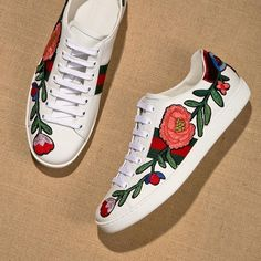 Tips For Beginners Weight Loss Floral Sneakers, Gucci Sneakers, Gucci Shoes, Baskets, Gucci Floral, Chuck Taylor Sneakers, Shoe Game, Bag Accessories, Clothing Accessories