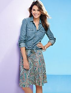 The easy skirt = perfect to pair with all your summer tops. Shop our Palm Desert Paisley Seamed Knit Skirt.