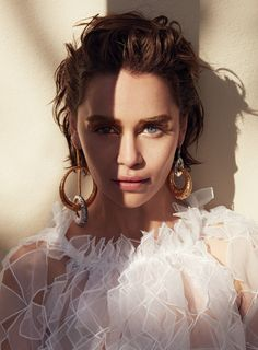 """""""Emilia Clarke 'Mother of Dragons' in the Allure Magazine June 2019 Issue Clarke Game Of Thrones, Daenerys Targaryen, Khaleesi, Audrey Tautou, Beauty Shoot, Mother Of Dragons, English Actresses, Beautiful Actresses, Editorial Fashion"""