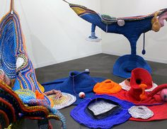 climbing rope art and furniture Knit Art, Crochet Art, Nomadic Furniture, Rope Art, Climbing Rope, Textiles, High Art, Soft Sculpture, Installation Art