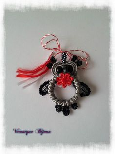A small owl soutache