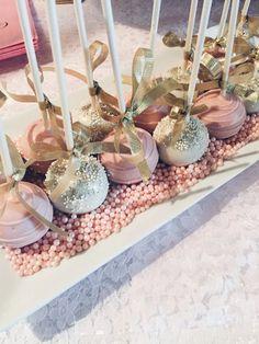 My Pretty Pink & Gold Bridal Shower | www.lostgenygirl.com