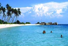 World's No.6th Beach - Pulau Perhentian Kecil, Malaysia