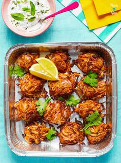 Onion Bhajis - Pinch Of Nom Indian Food Recipes, Vegetarian Recipes, Cooking Recipes, Healthy Recipes, Ethnic Recipes, Going Vegetarian, Savoury Recipes, Curry Recipes, Organic Recipes