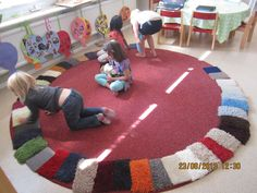 """Using carpet samples as an open-ended resource - more photo examples on this page. from Bäckens teknikresa ("""",) Toddler Classroom, Montessori Classroom, Preschool At Home, Preschool Kindergarten, Communication Friendly Spaces, Reggio Inspired Classrooms, Carpet Samples, Classroom Organisation, Classroom Environment"""