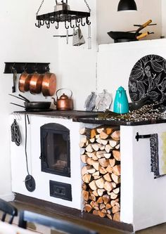 Small Living, Home And Living, Design My Kitchen, Scandinavian Cottage, Old Kitchen, Kitchen Ideas, Cabins And Cottages, Kitchen Styling, Beautiful Kitchens