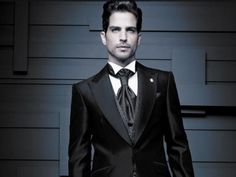 Italian Style Suit, Business Attire, Mens Suits, Dapper, Dress To Impress, Dress Up, Suit Jacket, Menswear, Mens Fashion