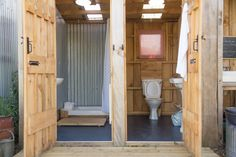 Glamping in Norfolk Luxury bell tent and shepherd s hut glamping in the idyllic grounds of one of Norfolk s loveliest country house gardens Outside Toilet, Outdoor Toilet, Outdoor Baths, Outdoor Bathrooms, Outdoor Shower Enclosure, Outdoor Showers, Bell Tent Camping, Campsite, Outhouse Bathroom