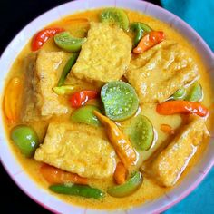 Fruit Salad Recipes, Tofu Recipes, Vegetarian Recipes Easy, Cooking Recipes, Easy Asparagus Recipes, Tofu Dishes, Curry Dishes, Indonesian Food Traditional, Plate