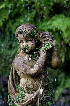 A statue in Monte Palace Tropical Garden, Funchal