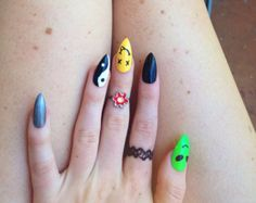 90s Stiletto Nails, set of 20 colorful pointy nails, alien nails, holographic nails, ying yang nails