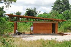 The New Age Village: Re-inventing the Vernacular African Mud Hut