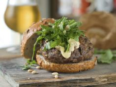 Alpaca meat recipes don't have to be enjoyed sparingly. Instead, let To-Table show you how to incorporate alpaca meat into multiple recipes year-round. Burger Recipes, Meat Recipes, Gourmet Recipes, Burger Ideas, Experiment, Organic Recipes, Ethnic Recipes, Tacos, Homemade Burgers