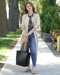 Rainy Day Wear, Trench Coat & Graphic T-Shirt Outfit, Chic Summer Style