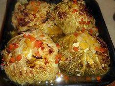 La meilleure recette de Choux farcis a la chair a saucisse! L'essayer, c'est l'adopter! 5.0/5 (10 votes), 16 Commentaires. Ingrédients: Un chou vert de moyenne grosseur, 450 gr de chair a saucisse, une tranche de pain de mie complet, un œuf,2 échalotes, 2 gousses d ail, un demi bouquet de persil, 2 oignons, une carotte, un blanc de poireau, thym, huile d olive, 15 cl de bouillon de bœuf, cumin en poudre,sel,poivre