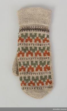 "Vante ""Stigbygeln"", 1940-1949. Formgivare: Anna-Lisa Mannheimer-Lunn, Bohus Stickning Knit Mittens, Mitten Gloves, Knitting Socks, Hand Knitting, Knitted Hats, Knitting Patterns, Ravelry, Fair Isle Knitting, Knitting Accessories"