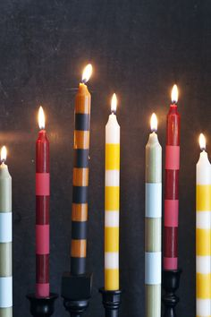 Make striped candlesticks to jazz up your tabletop... and it's SO EASY! {via @elsiecake} /ES