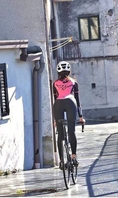 Cycling clothing & bike devices from more than 100 brands. cycle for fun, mountain bicycle, or require the current triathlon wear . Bicycle Women, Road Bike Women, Bicycle Girl, Cycling Wear, Cycling Girls, Cycling Outfit, Cycling Clothing, Road Cycling, Ebay Clothing