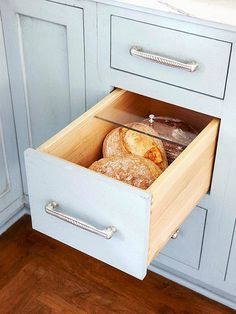Bread drawer - acrylic lid to keep fresh. Gets loaf of bread off benchtop. Not a fan of breadbins.