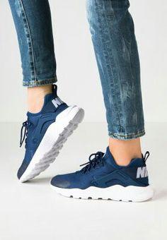 buy online f2a7a c58ca Nike Sportswear, Korgar, Löpning, Sneakers, Kläder