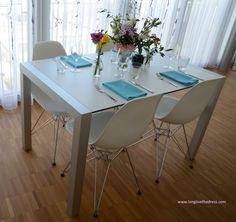 A place where I show, what I can do with 2 metres of fabric and a good Idea. Sewing Projects, Dining Table, Fabric, Diy, Furniture, Home Decor, Dinner Napkins, Linen Fabric, Table