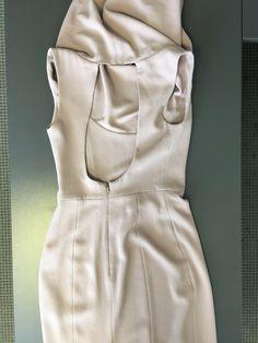 detail photo: V1531 dress pattern