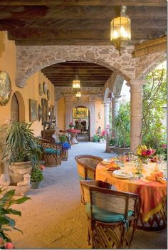 Achieve Spanish Style - Room by Room Mexican Patio, Mexican Hacienda, Mexican Home Decor, Mexican Style, Mexican Decorations, Hacienda Style Homes, Spanish Style Homes, Spanish House, Spanish Colonial