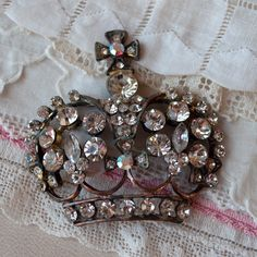 Vintage Rhinestone Crown Pin