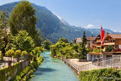 52- Interlaken, Suíça:  esta agradável e convidativa cidade é a porta de entrada para se conhecer os Alpes suíços. Seu custo diário é de US$ 176,27 (R$ 491,21).