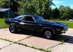 It does my heart good to see a '70 Hemi Challenger R/T doing street duty like this!
