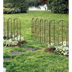 Looking for some gorgeous ornamental aluminum fence designs to secure your backyard? See some beautiful aluminum fence ideas for your inspirations here! Front Garden Path, Small Garden Fence, Metal Garden Fencing, Decorative Garden Fencing, Iron Garden Gates, Garden Fence Panels, Garden Edging, Backyard Fences, Garden Borders