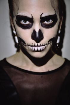 Genius Last-Minute Halloween Makeup: The Glam Skeleton | Halloween ...