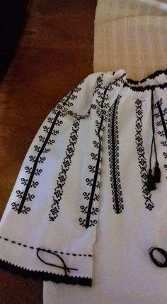 Hijab Fashion, Embroidery Stitches, Boho Shorts, Women, Blouses, Needlepoint, Women's, Woman, Needlepoint Stitches