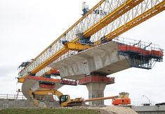 If you are looking for online Civil Engineering classes to advance your career, we provide free courses from top universities for all learners worldwide, Civil Engineering Courses, Bridge Engineering, Engineering Classes, Civil Engineering Construction, Road Construction, Mechanical Engineering, Bridge Structure, Home Design Plans, Architecture Details